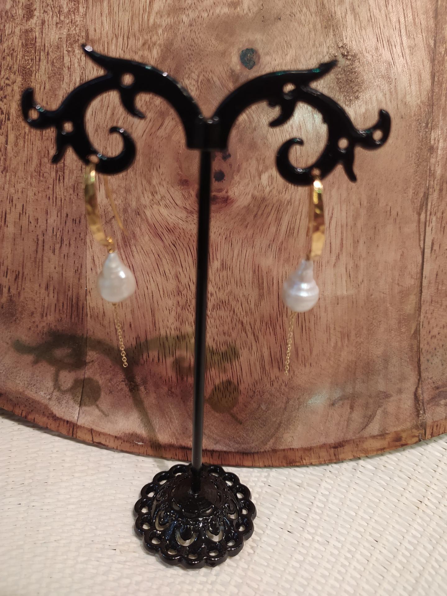 Bo perles baroques avec chaine ref 314 1 55 gr prix 59 eur longueur avec chaine environ 5cm