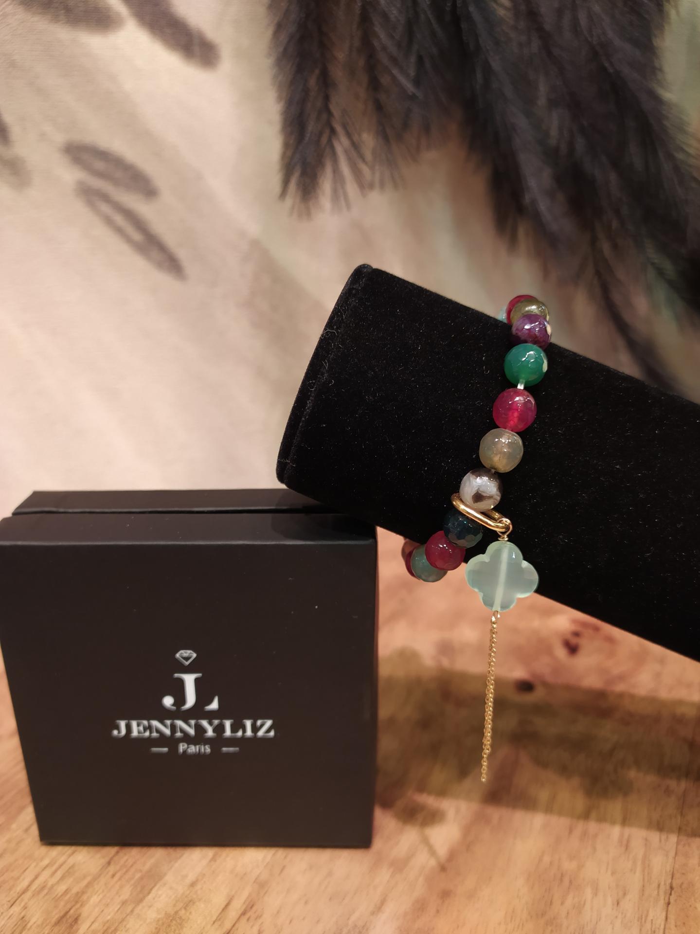 Bracelet jade de couleur diff 1 1 33 gr