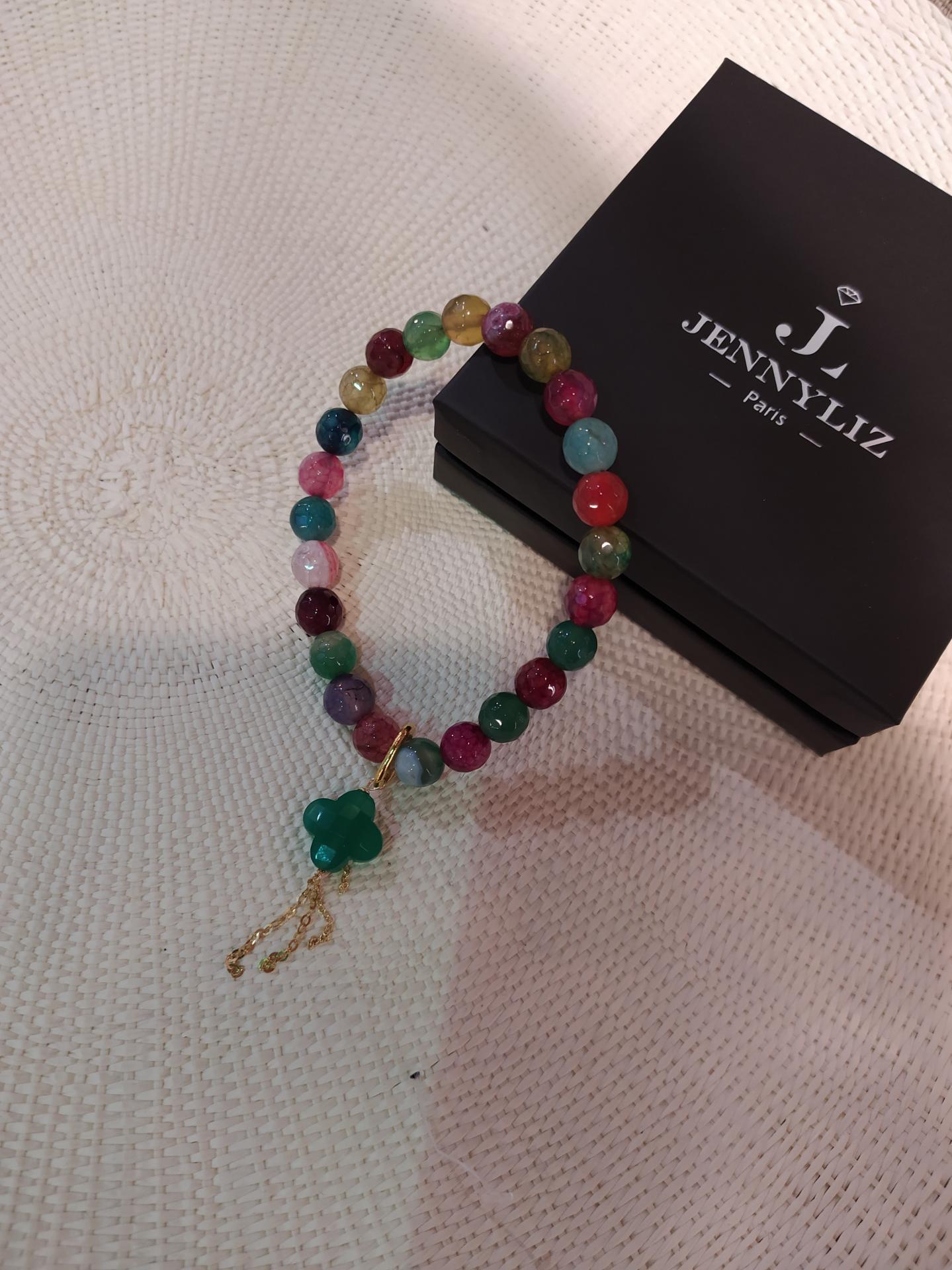 Bracelet jade de couleur diff appret vert fonce gr 0 49 gr