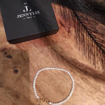 Bracelet  perles blanches naturelles ref 239