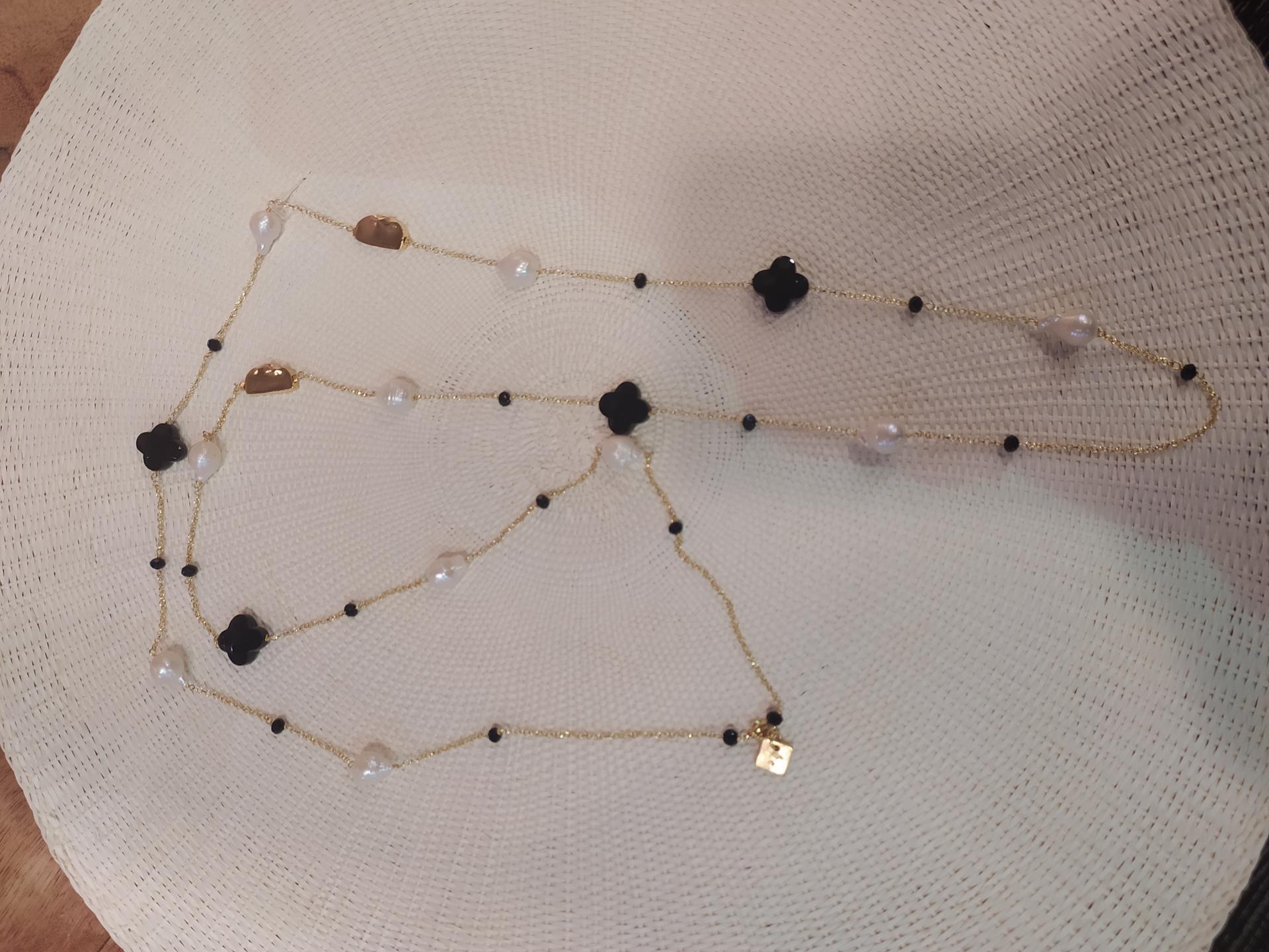 Sautoir onyx et perles baroques ref 365 7 34 gr
